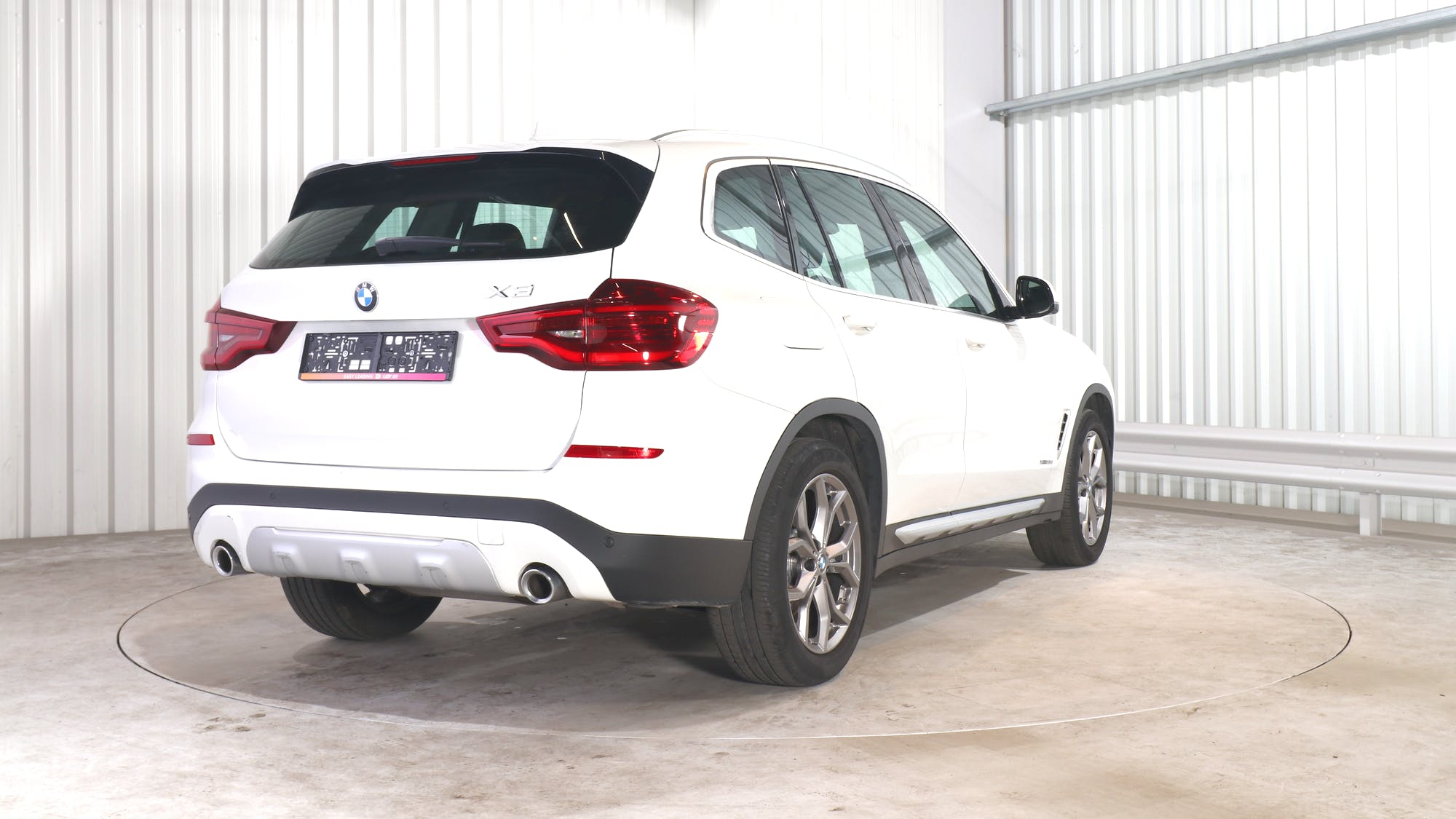 BMW X3 leasing exterior 6