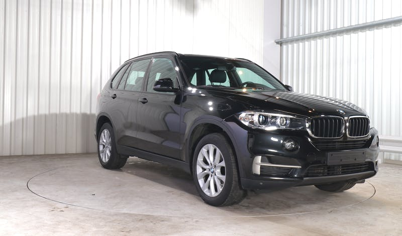 lease BMW X5 EXTERIOR_180