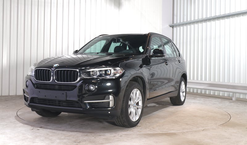 lease BMW X5 EXTERIOR_240
