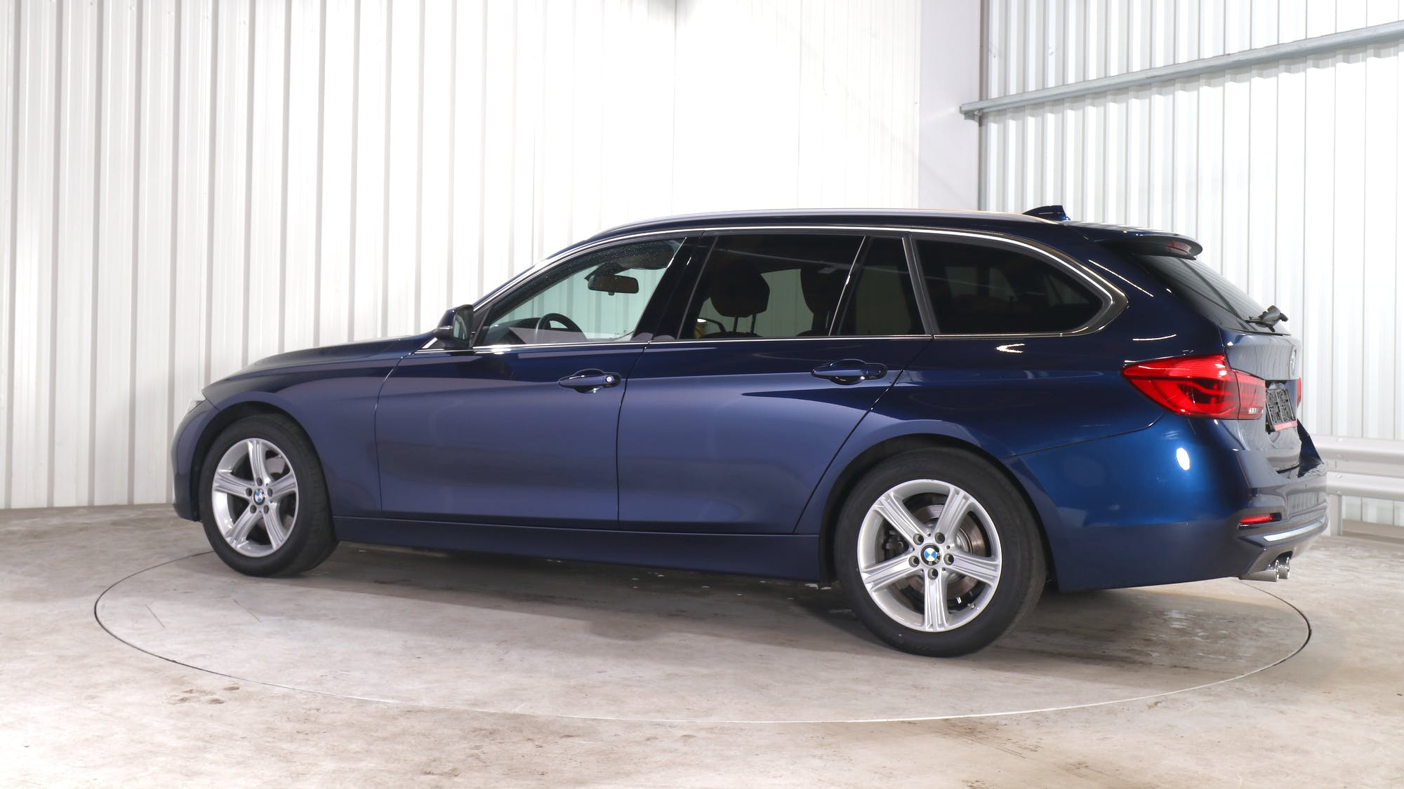 BMW 3 leasing exterior 3
