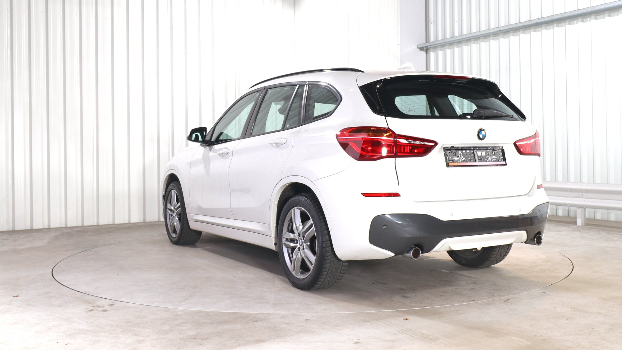 BMW X1 leasing exterior 4