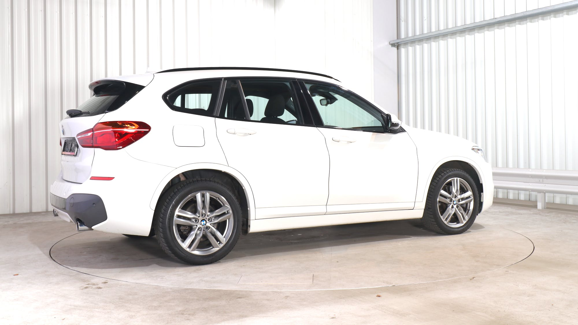 BMW X1 leasing exterior 7