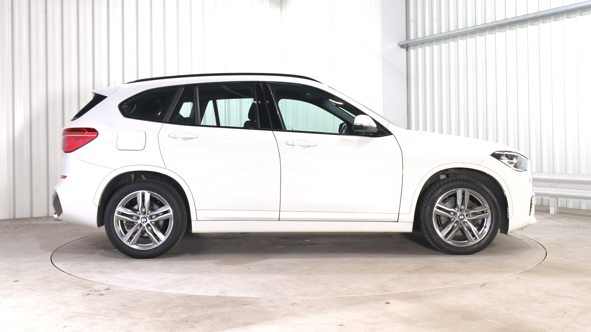 BMW X1 leasing exterior 8