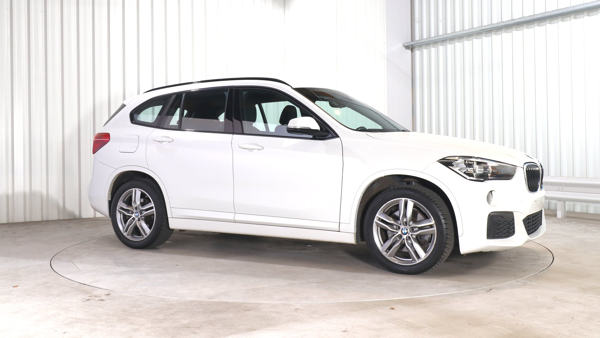 BMW X1 leasing exterior 9