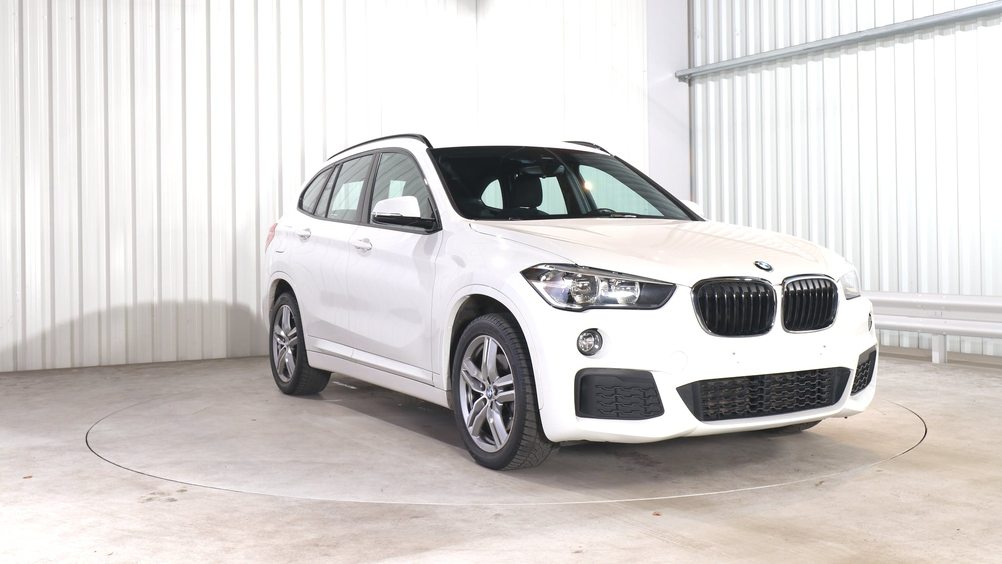BMW X1 leasing exterior 10