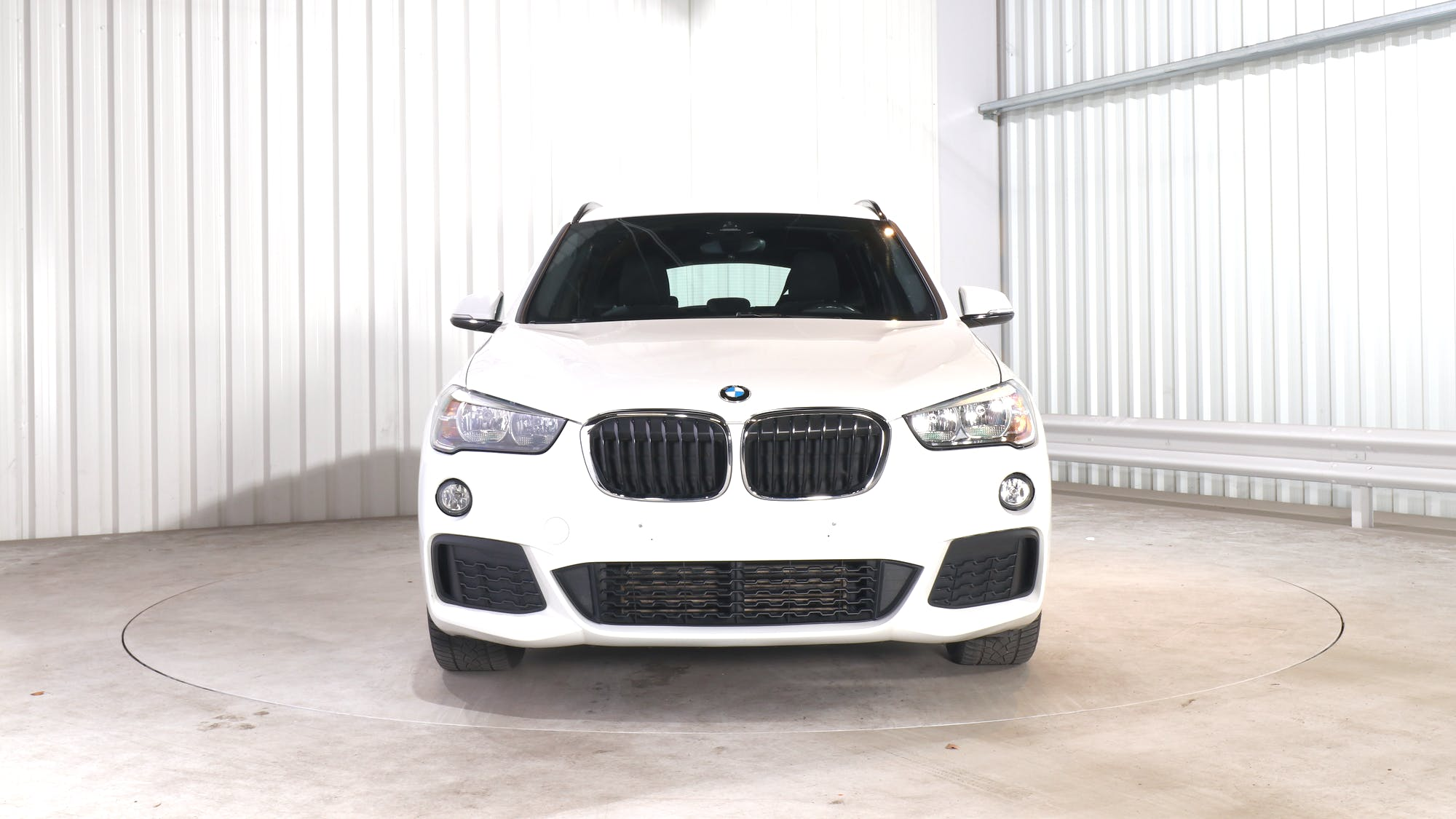 BMW X1 leasing exterior 11