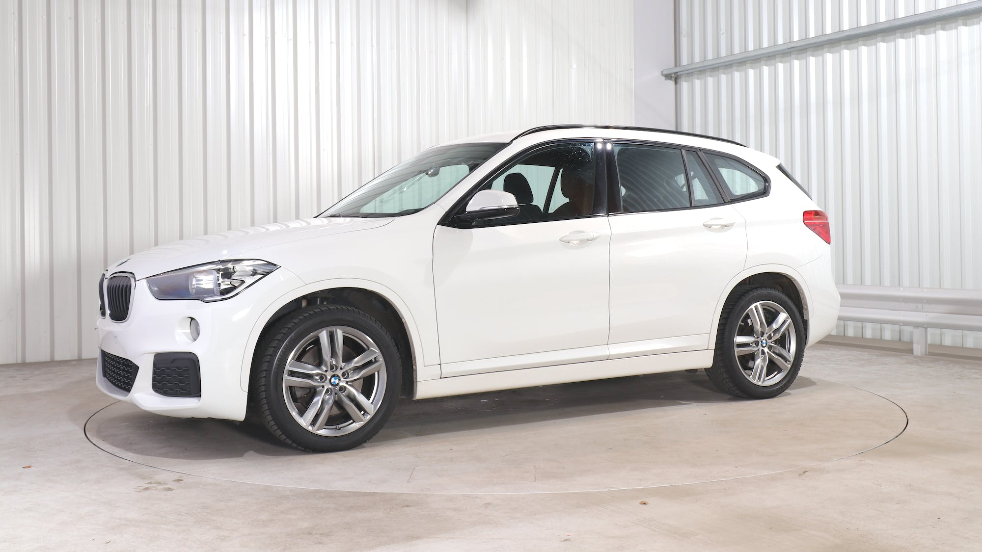 BMW X1 leasing exterior 1