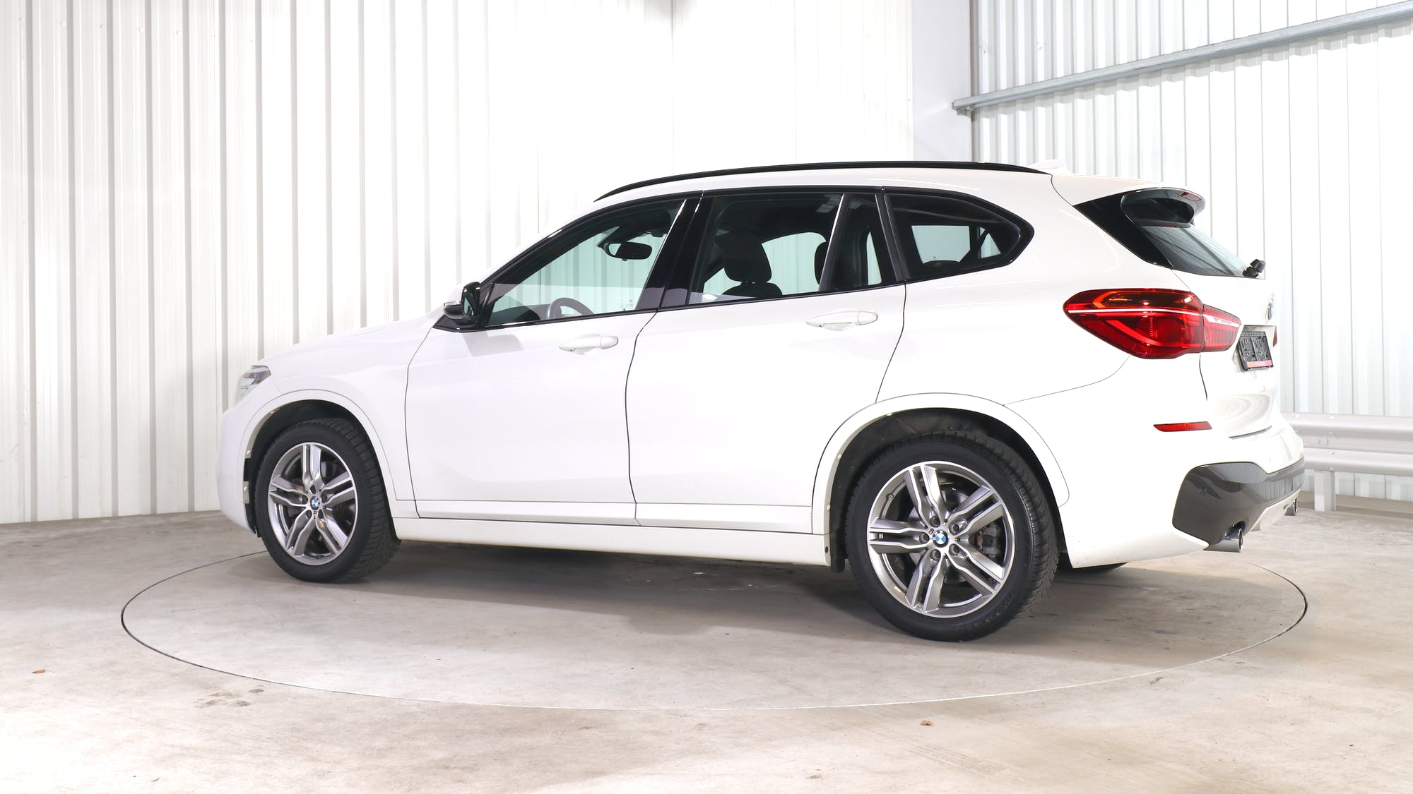 BMW X1 leasing exterior 3