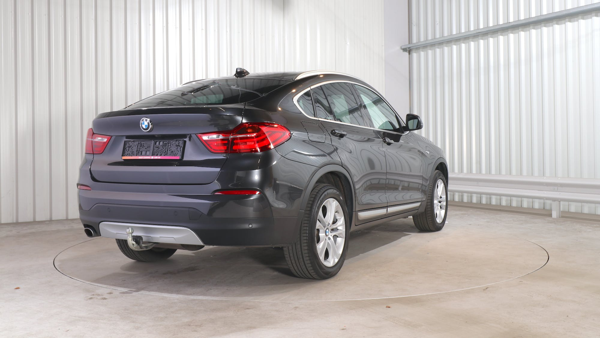 BMW X4 leasing exterior 6