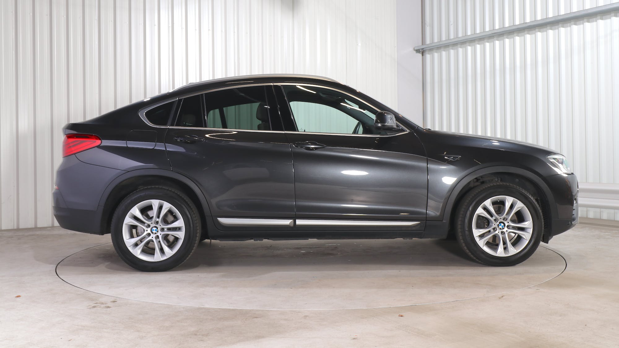 BMW X4 leasing exterior 8