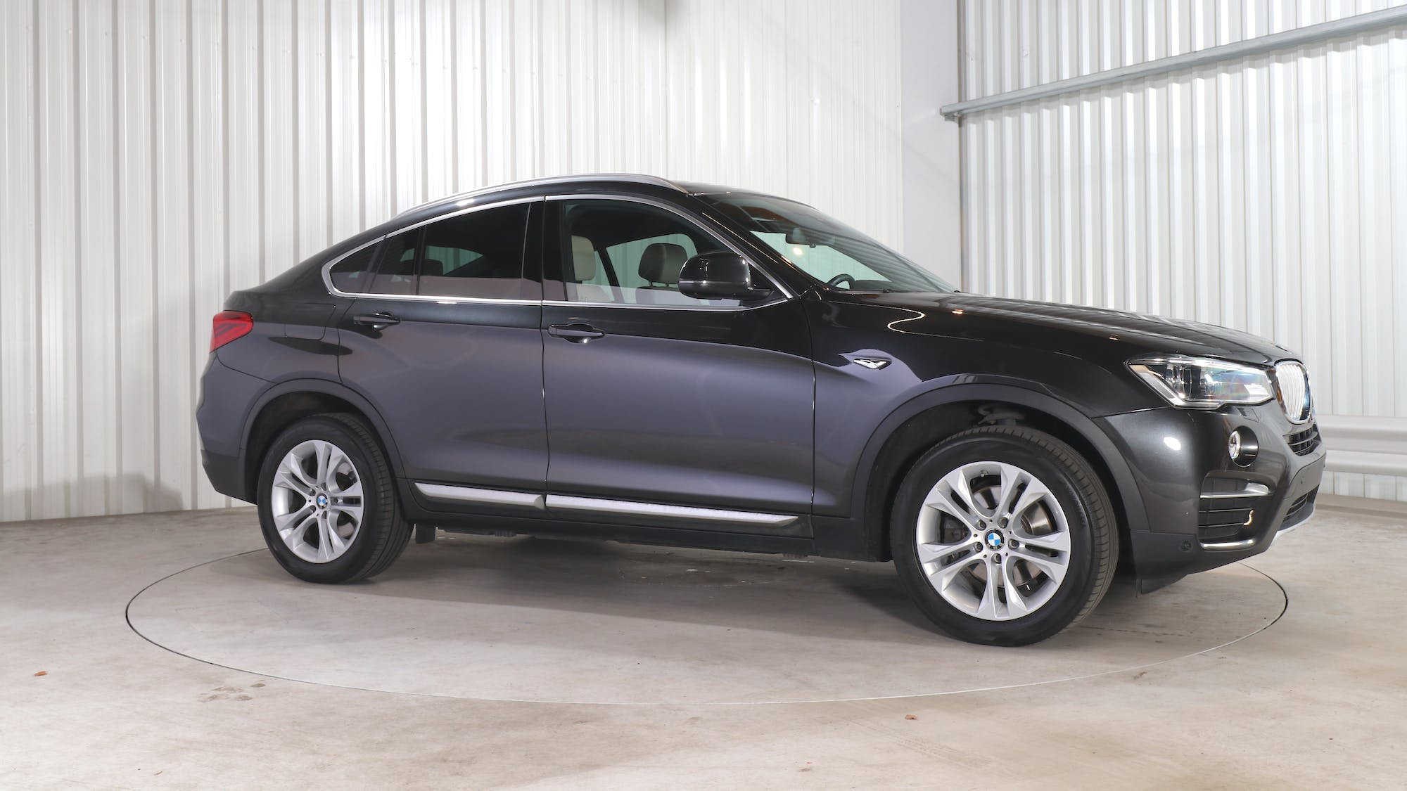 BMW X4 leasing exterior 9