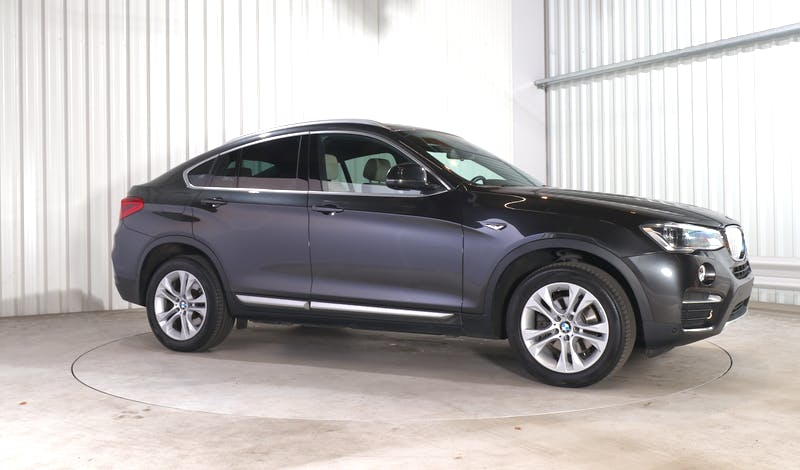 lease BMW X4 EXTERIOR_150
