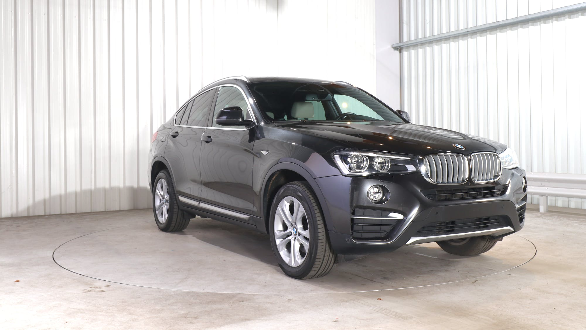 BMW X4 leasing exterior 10