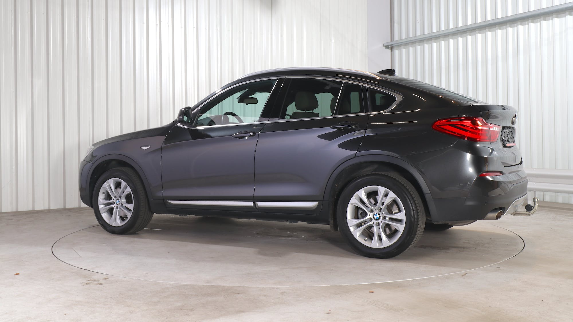 BMW X4 leasing exterior 3