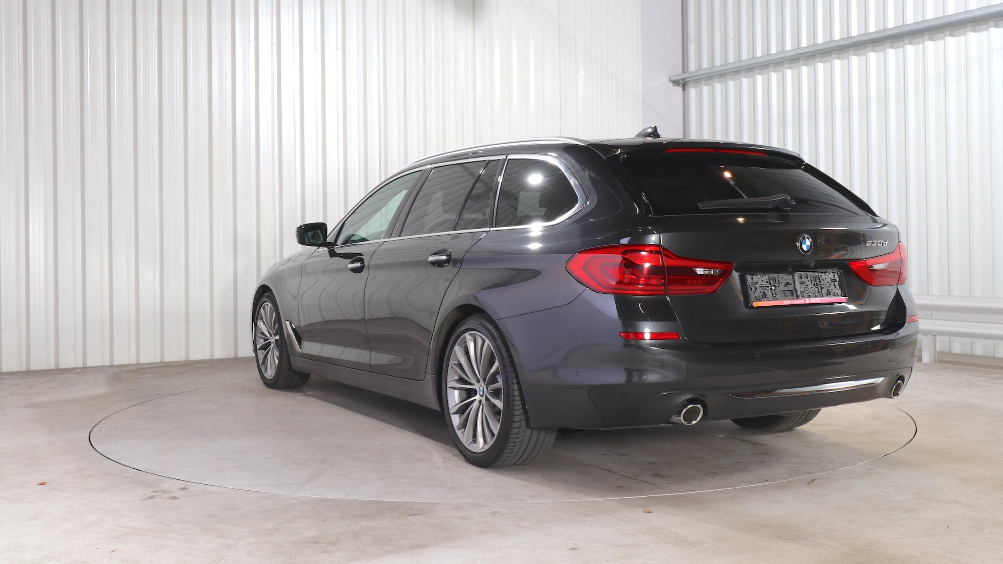 BMW 5 TOURING leasing exterior 4