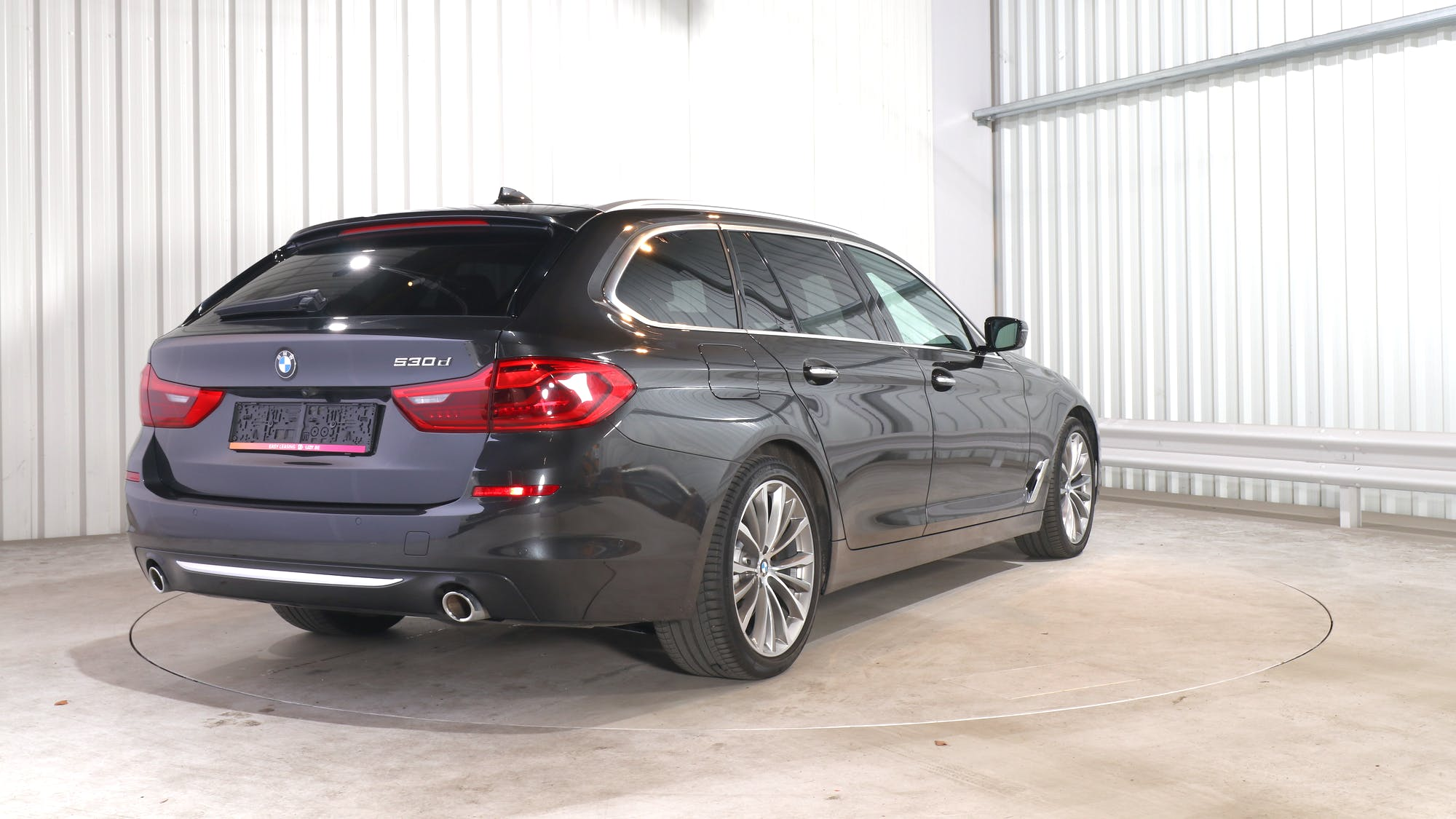 BMW 5 TOURING leasing exterior 6