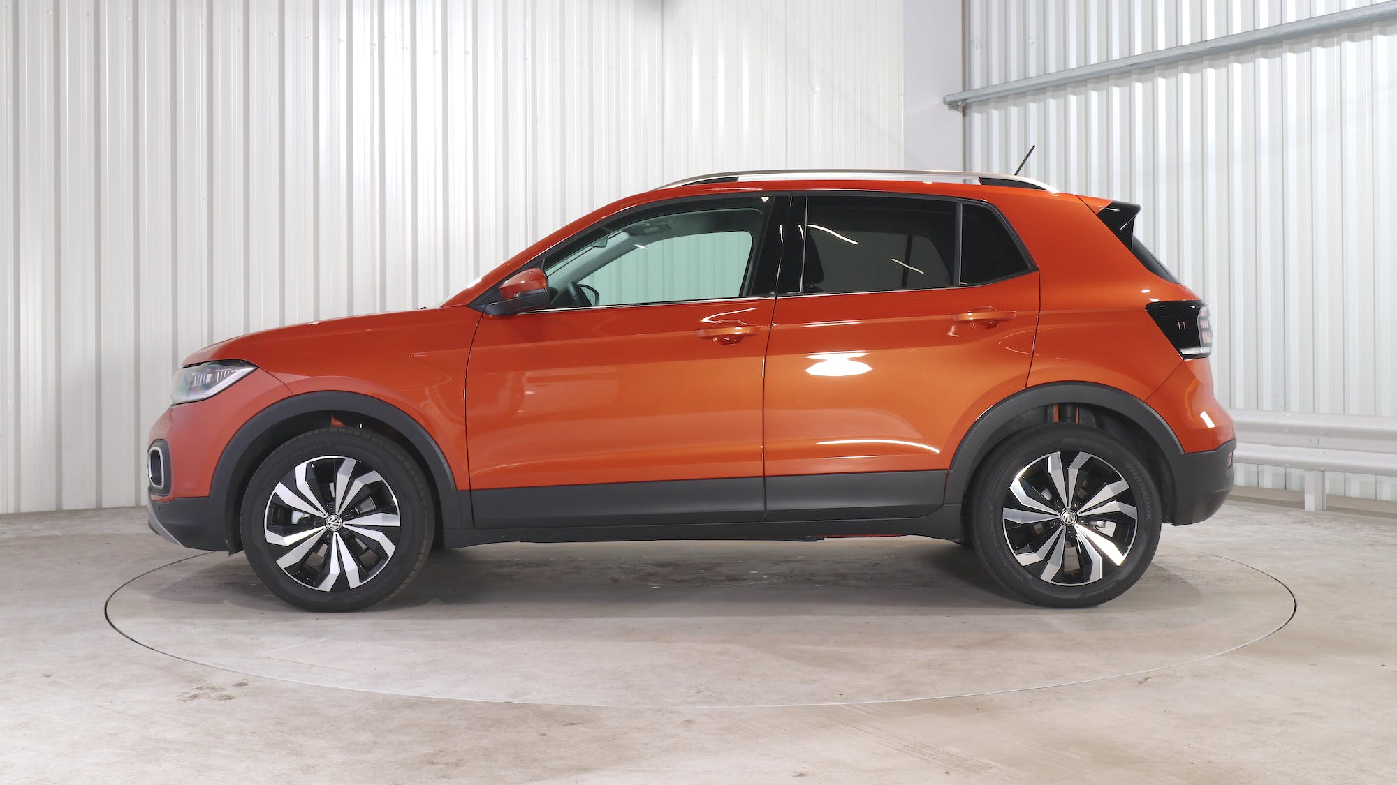 VOLKSWAGEN T-CROSS leasing exterior 2