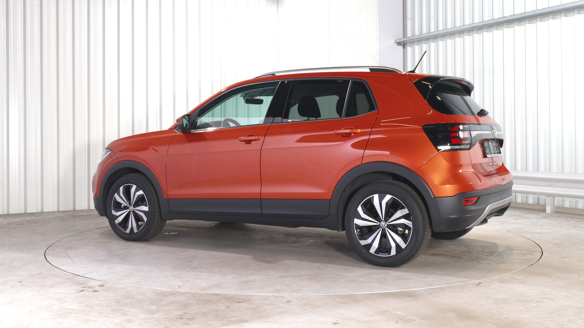 VOLKSWAGEN T-CROSS leasing exterior 3