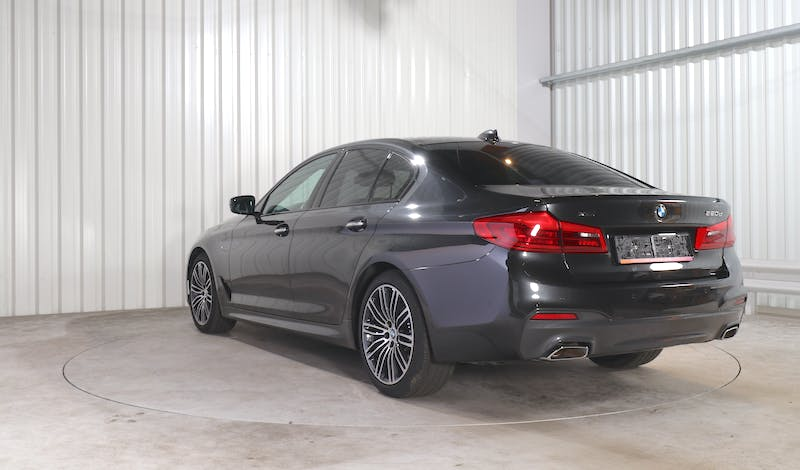 lease BMW 5 (G30) EXTERIOR_000