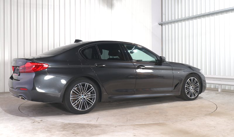 lease BMW 5 (G30) EXTERIOR_090