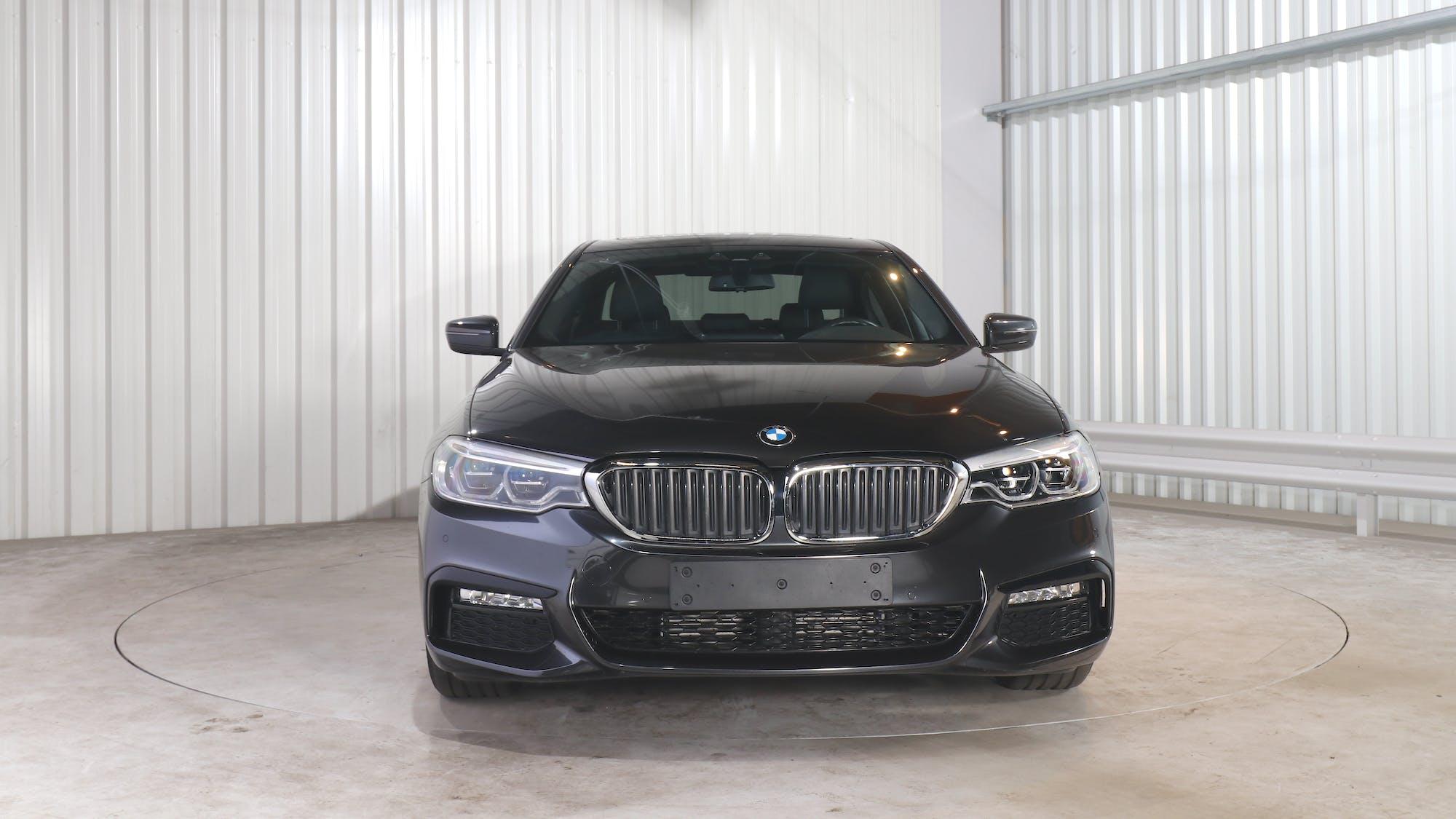 BMW 5 (G30) leasing exterior 11