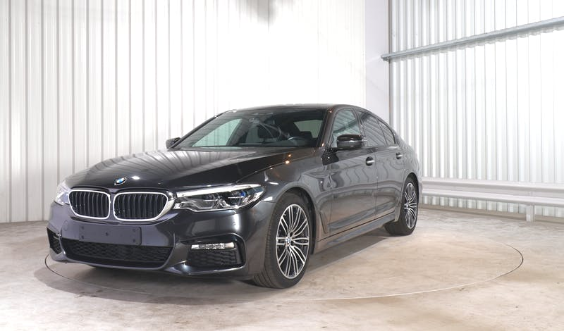 lease BMW 5 (G30) EXTERIOR_240