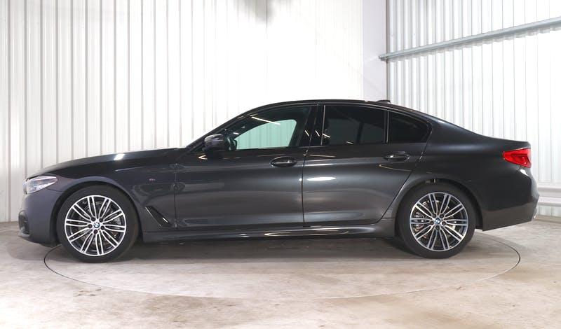 lease BMW 5 (G30) EXTERIOR_300