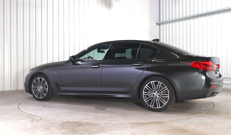 lease BMW 5 (G30) EXTERIOR_330
