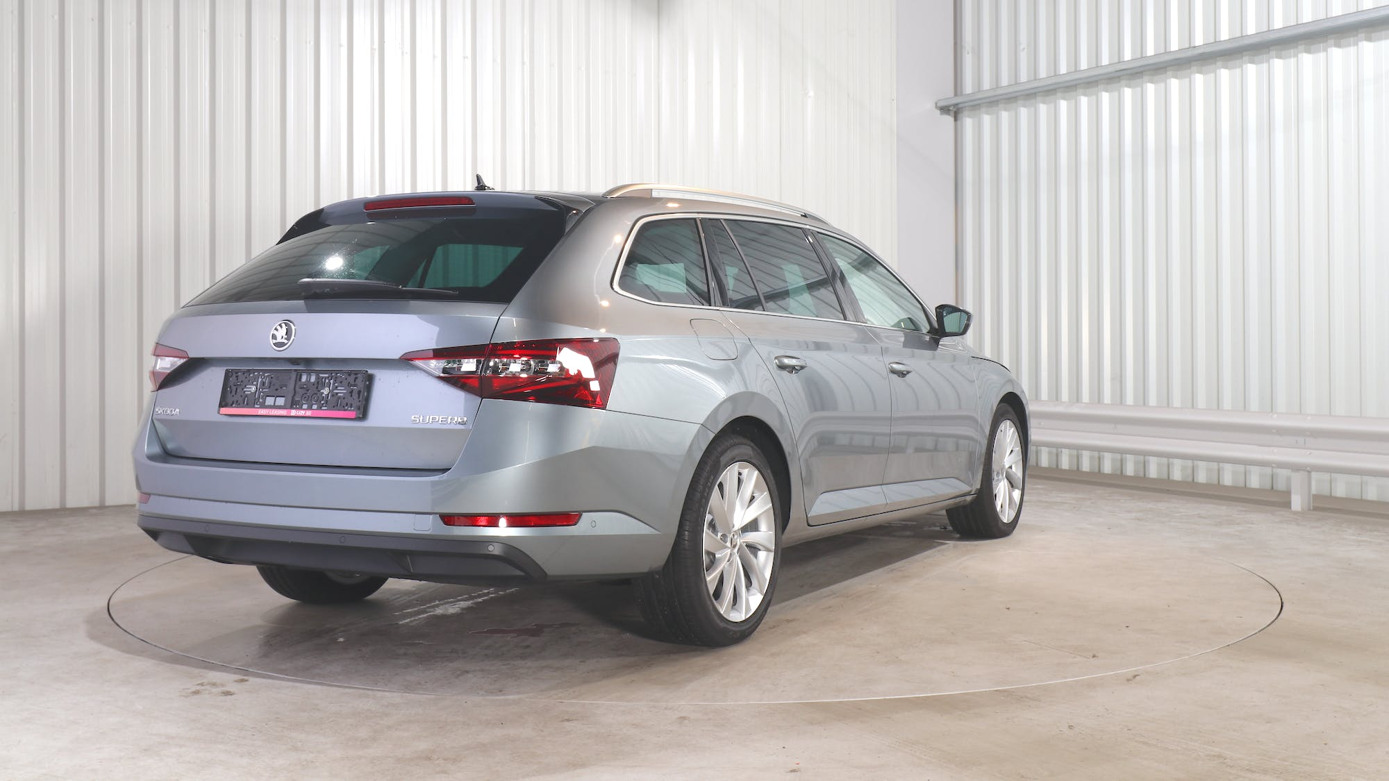 SKODA SUPERB COMBI leasing exterior 6